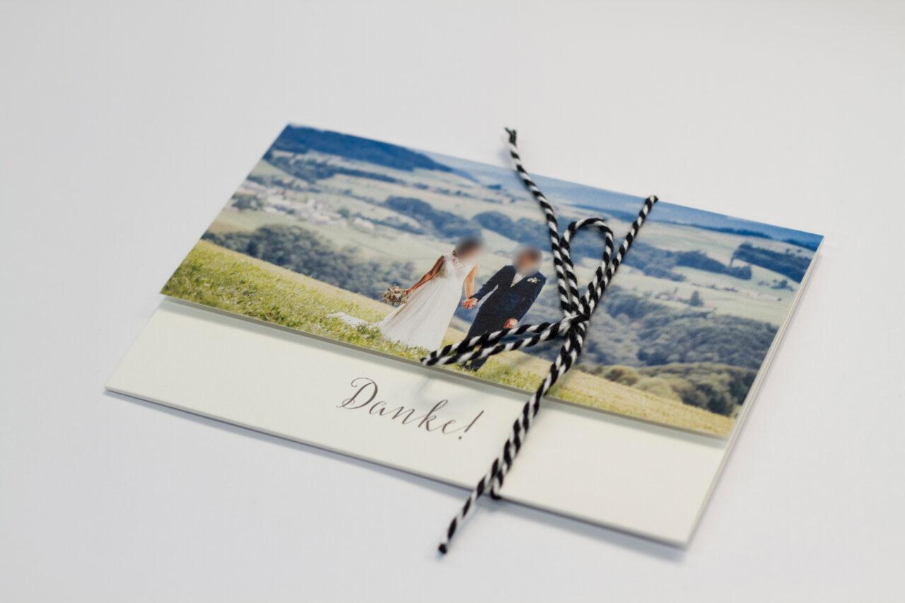Tanner Druck AG, Hochzeitskarte zugeschnürt